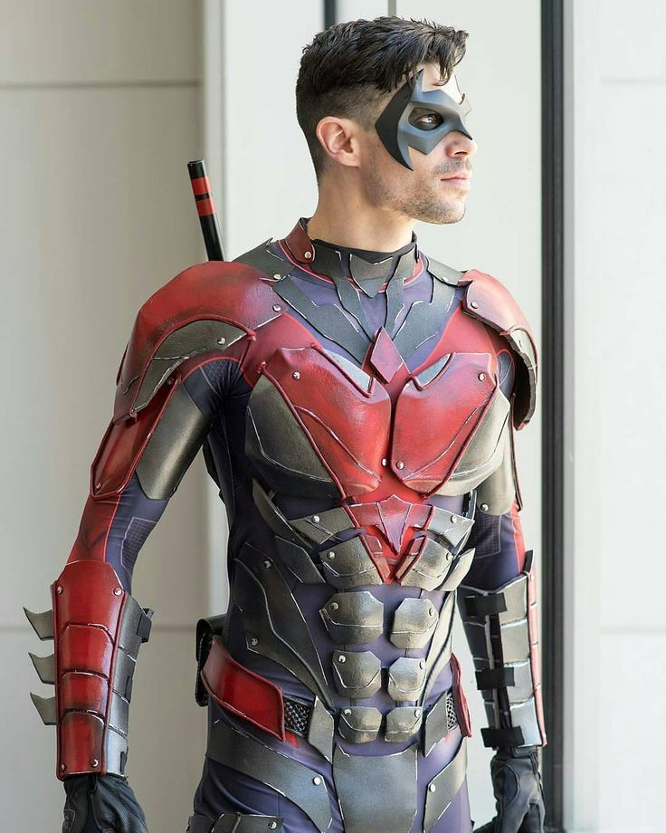 25+ best ideas about Nightwing Cosplay on Pinterest | Cosplay armor tutorial Cosplay costumes ...