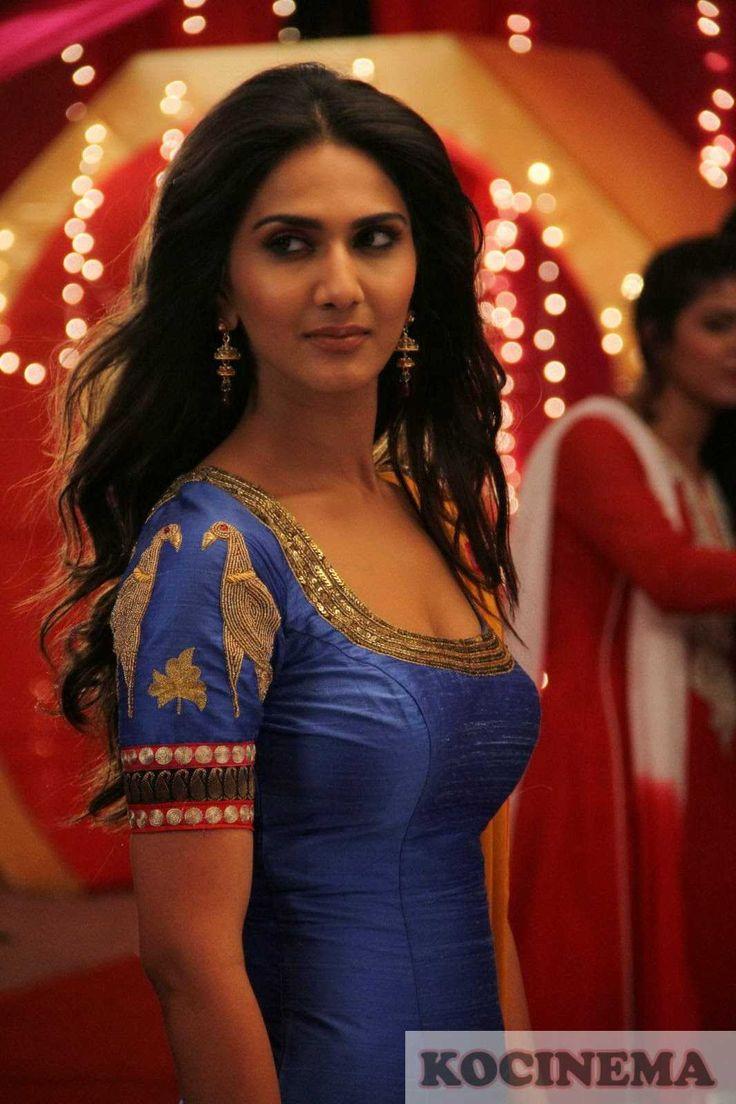 vaani-kapoor-latest-hot-stills-from-aaha-kalyanam-movie-1