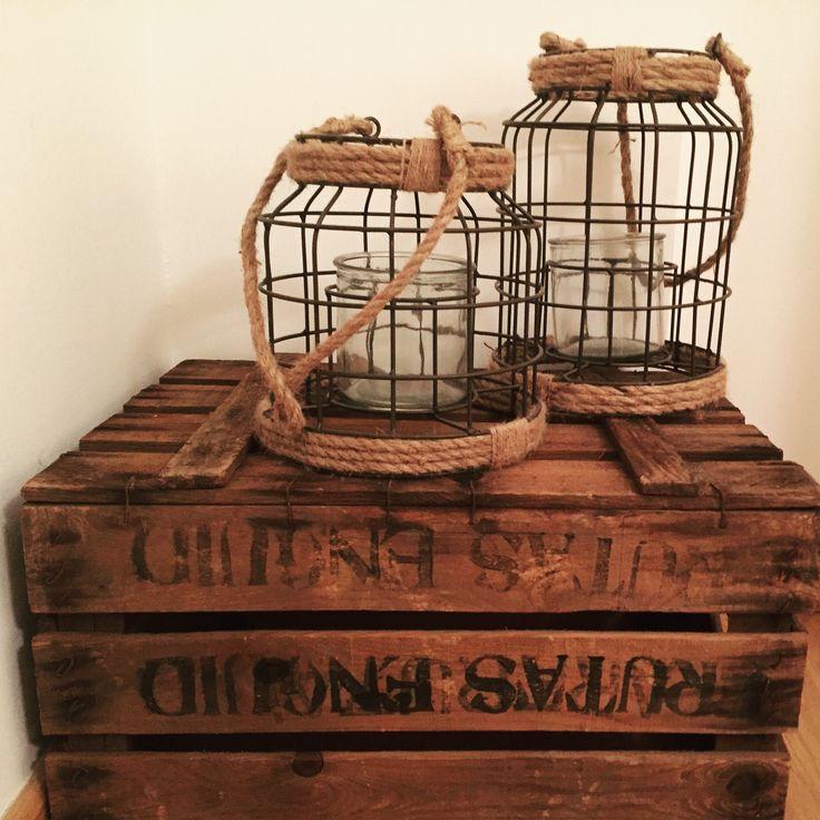 cajas de madera antiguas desgastadas cajas