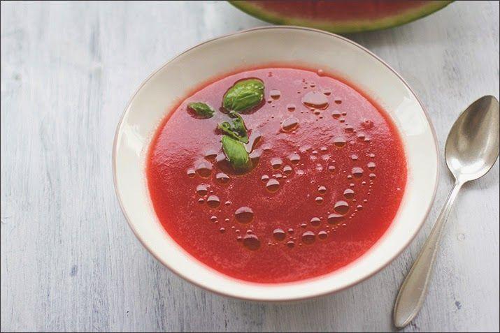 Momentan hab ich mal wieder eine totale Kochunlust-Phase und esse am Liebsten kühl, wie zum Beispiel Wassermelonen-Gazpacho. Gerade durch die...