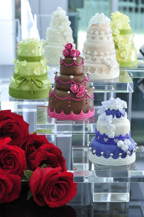 Mini Wedding Cake ❤ Thomas Trillion Patisserie ❤ http://www.thomastrillion.com/