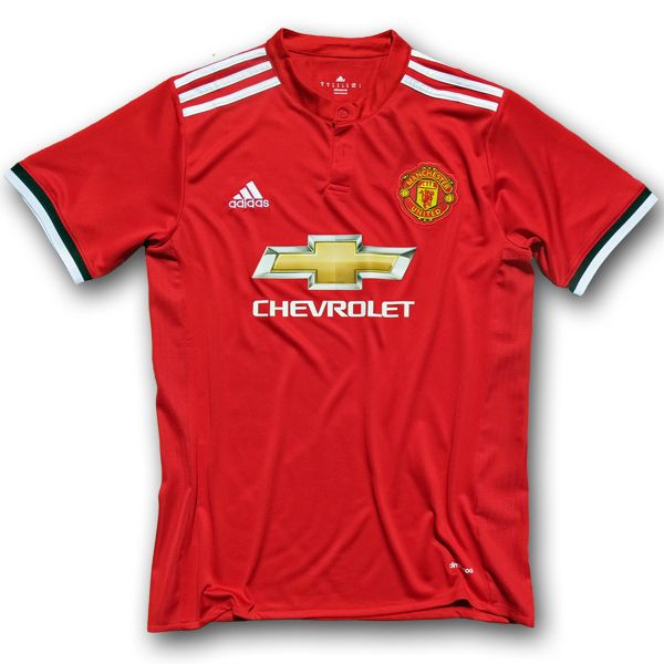 Manchester United Home Football Shirt 17/18 This is the new Manchester United Home Football Shirt 17/18. Manchester United signed a world-record kit deal in 2014 which came into effect with the start of the previous season. After the first Manchester United home kit boasted a classic design, the new Manchester United 2017-18 home jersey is more […]