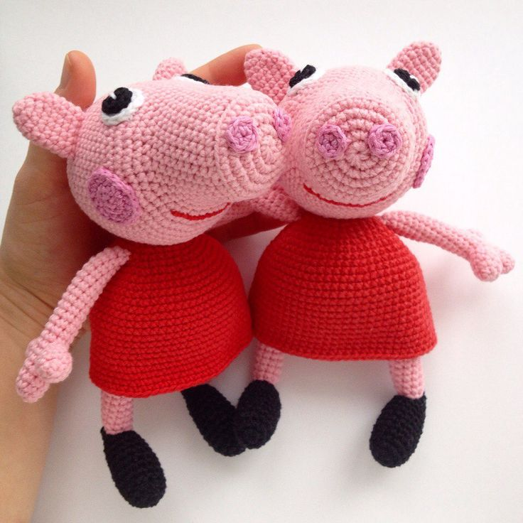 The free Peppa Pig crochet pattern will help you to create a famous cartoon character. The difficulty of Peppa Pig crochet pattern is medium.
