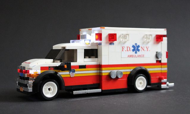 FDNY Ambulance | Ford F-450 Ambulance With working emergency… | Flickr