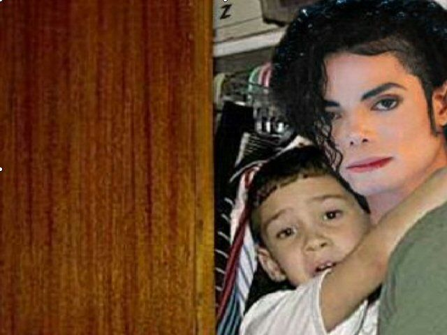 a history of elian gonzalez Elian gonzalez, less than two weeks short of his 6th birthday, was the young cuban boy whose rescue set off an international custody battle and reverberated in the 2000 us presidential campaign.