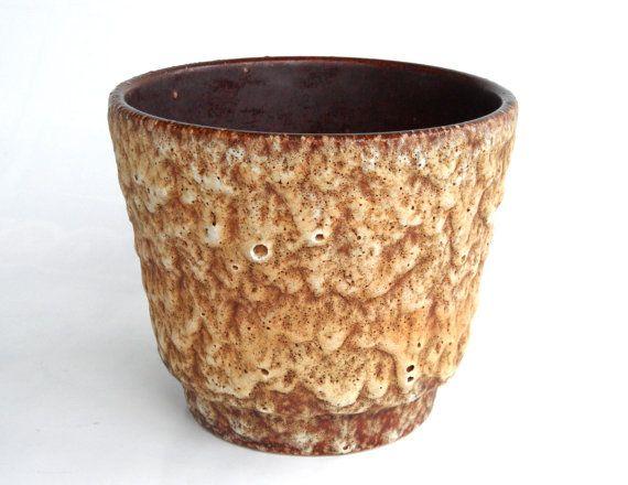 Hoi! Ik heb een geweldige listing op Etsy gevonden: https://www.etsy.com/nl/listing/255978210/west-german-pottery-planter-fat-lava