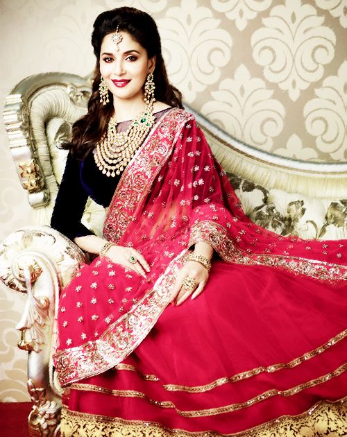 @MadhuriDixit beautiful in Magenta Lehenga with Royal Blue Blouse and Kundan Jewelry