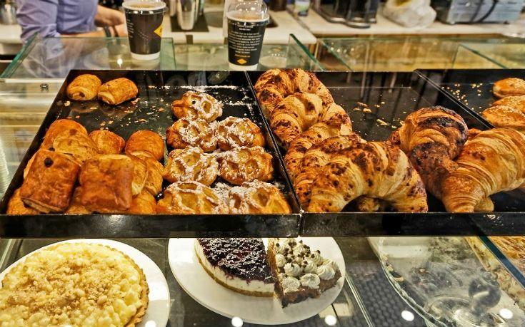 Πού τρώμε τα πιο αφράτα κρουασάν στην Αθήνα - Greekguide.com