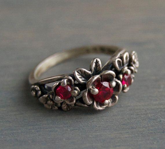 Vintage Kabana Sterling Silver Red Garnet Flower Ring by MintAndMade