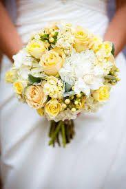 Resultado de imagem para bolo casamento branco e amarelo