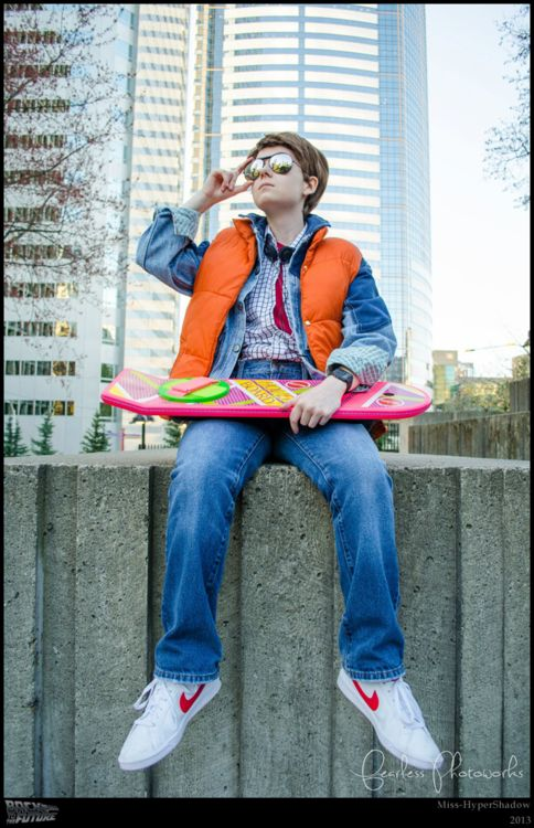 Marty McFly from Back to the Futureé! <3 Really cool! =)