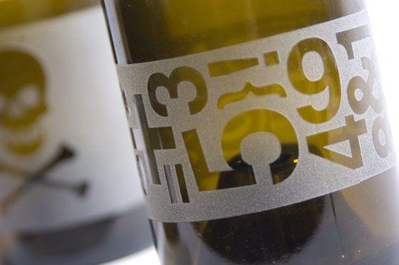 modern diy glass cutting bottle wine art by Plastolux