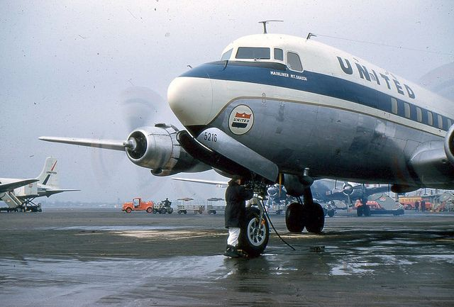 Chicago Midway Airport - United Airlines DC-6