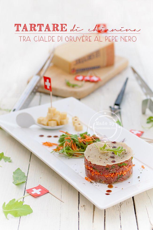 Tartare di chianina tra cialde di Gruyère al pepe nero e gocce di vincotto by Fiordirosmarino