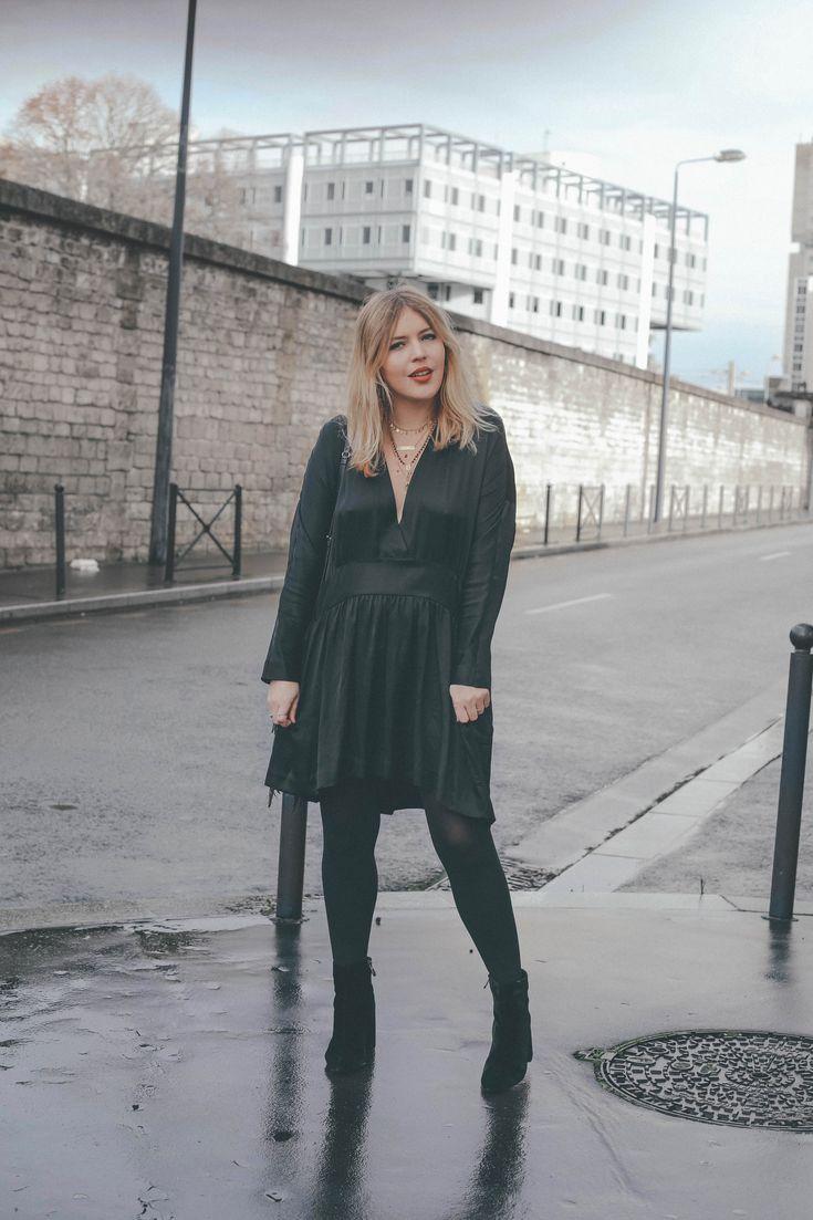 Robe décolleté &Other Stories / Idée tenue du nouvel an / Boots en velours http://theoverview.fr/robe-nouvel-an/