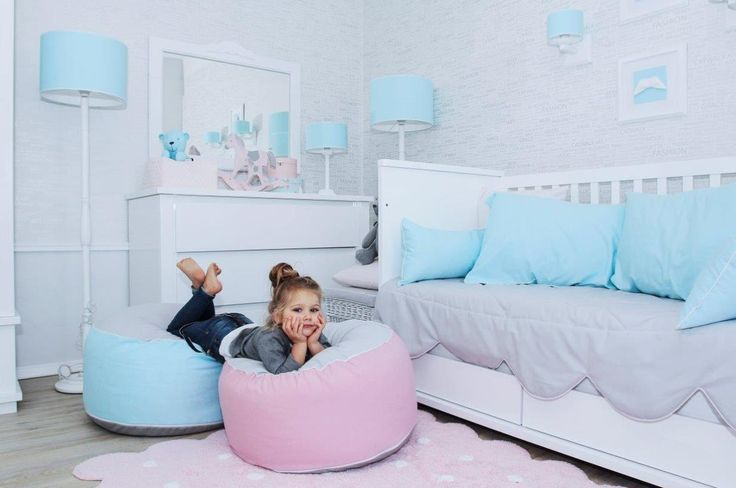 Girl room in pink and light blue. Accessories and furniture from www.caramella.pl