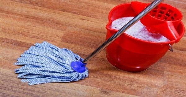 Το σφουγγάρισμα είναι μία από τις δουλειές του σπιτιού που βαριέσαι φρικτά. Αναγκάζεσαι όμως να την κάνεις κι όταν έχεις καταναλώσει χρόνο και κόπο και γίν