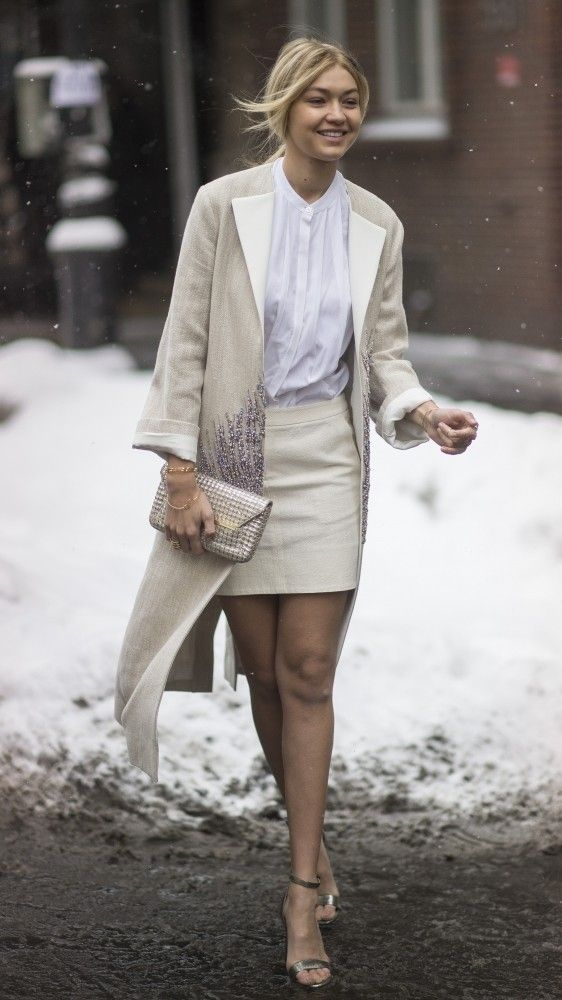 A White Work Wardrobe Is Perfect For Autumn And Winter This Long Cream Coat Looks
