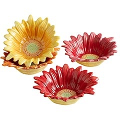 Pier1 has some really cute new things: Decor, Gerber Daisies, Favorite Pier, Daisies Bowlsth, Kitchens Stuff, Daisies Bowls Thes, Pier One, Dips Bowls, Nut Bowls
