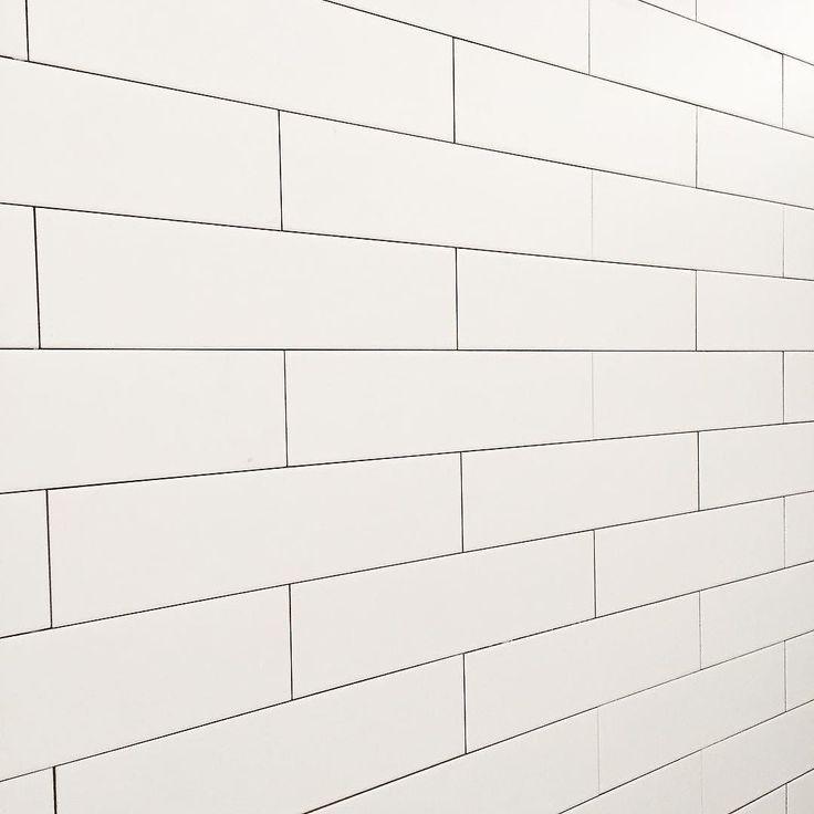 100x400 가로지그재그버전 / / / #타일 #타일패턴 #타일디자인 #벽타일 #인테리어 #인테리어디자인 #화이트타일 #화이트인테리어 #화이트 #tile #interior #space #design #poststonedesign #포스트스톤디자인 by post_stone_design