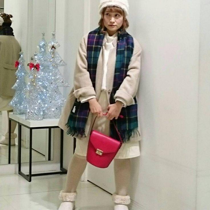 全身ホワイトコーデ!グリーンと赤の雑貨でクリスマスを意識~~ #eur3 #エウルキューブ #大きいサイズ #ぽっちゃり #ぽっちゃり女子 #ぽっちゃりファッション #プラスサイズ #plussize #plussizefashion  #オシャレ  #ぽっちゃりさんと繋がりたい #ぽっちゃりでもオシャレしたい  #クリスマスコーデ #スタッフコーデ  #ザモール郡山店 #ラファコーデ #女子力向上 #ホワイトコーディネート #詳細はホームのアプリから見れます
