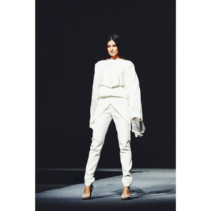 Outfit no.4 from #gogandru collection  #fashion #fashiondiaries #design #galamodauvt2015 #galamodauvt #galauvt #galauvt2015 #picoftheday #vscocam #timisoara #ootd #art #texture #fashiondesign #designer #sculptural #minimalism #white #pictureoftheday #clothes #architecture #inspiration #metallic #holographic #silver #student #collection #instagood #instafashion