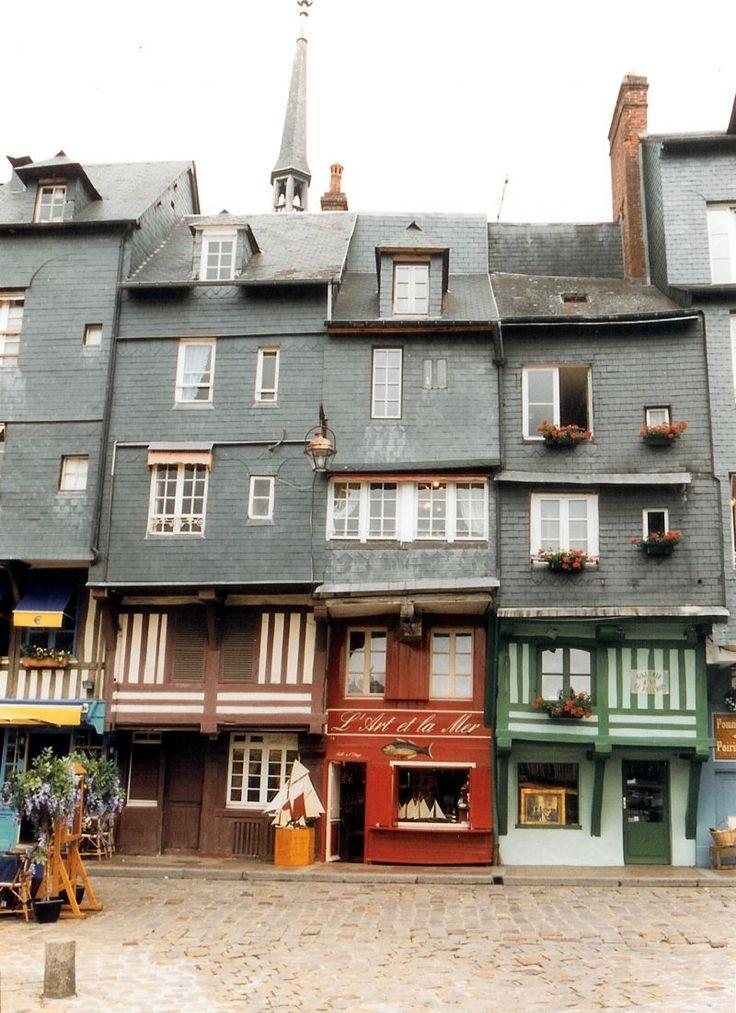 Photo Honfleur, Calvados, maisons sur le quai, Honfleur  FRANCE