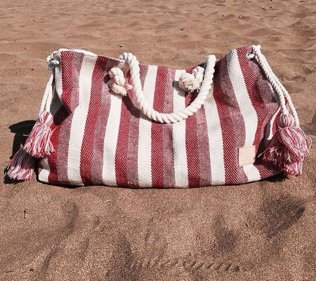 The perfect bag to go to the beach, are you ready for summer 16?😉☀️ #DoubleCheck #Abbacino #Beach #Bag #Fashion #White #And #Red #Summer