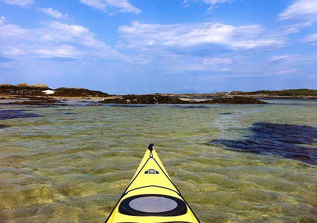Kayaking the Arisaig Skerries. Read my blog about Arisaig, Glenfinnan and Glenuig.