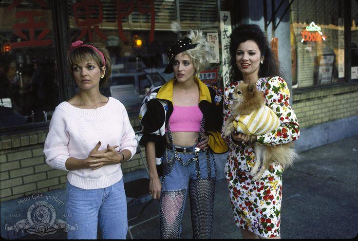 Fran Drescher, Lori Petty and Pamela Reed in Cadillac Man (1)