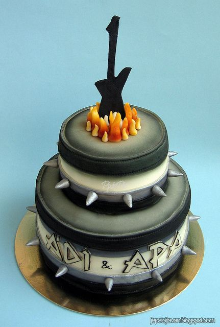 heavy metal cake by cakes by pixie pie via flickr. Black Bedroom Furniture Sets. Home Design Ideas