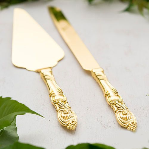 """Personalized """"Classic Gold"""" wedding cake server set. This matching knife and server set will make a great keepsake of your wedding day."""