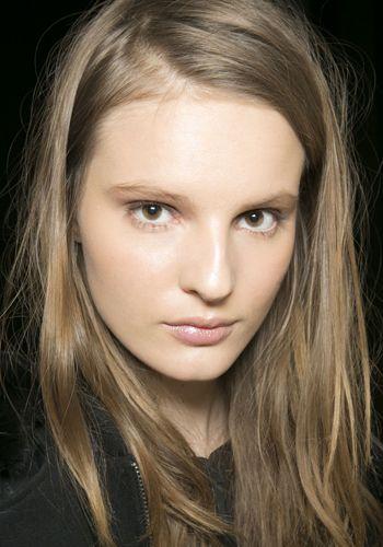 Easy makeup tips for hazel eyes