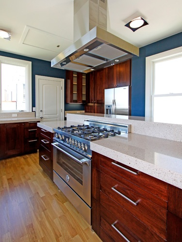 Show Off Those Hardwood Cabinets By Keeping You Kitchen Light And Open.  Greenwich Project: