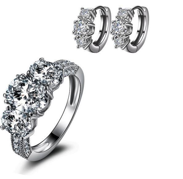 cercei si inel din argint marcat 925 de black friday http://www.bijuteriifrumoase.ro/cumpara/cercei-si-inel-cu-3-cristale-3358