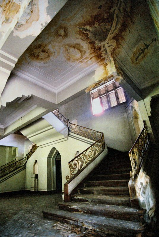 The Tyersall House, also known as Istana Woodneuk, abandoned in Singapore. Built by William Napier in 1854. Sultan Abu Bakar of Johor was given the estate in exchange for his land at Telok Blangah. He had the house re-built in 1892. Part of this building was lost to arson recently.