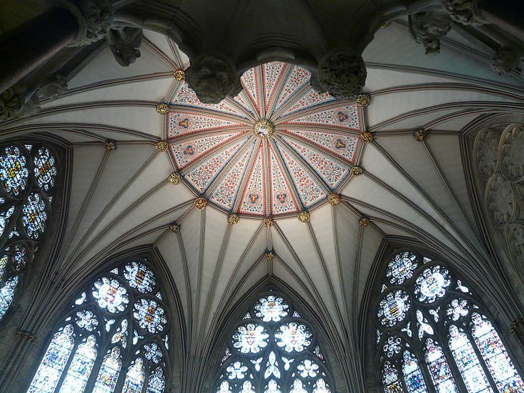 Великобритания.  Йоркский  кафедральный  собор.  Купол.  Готика. The Gothic vault without central support above the Chapter House of York Minster, York, England