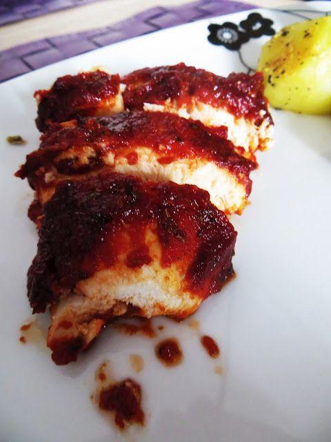 Moje przygody z gotowaniem.: Pierś z kurczaka w pomidorowej pierzynce.
