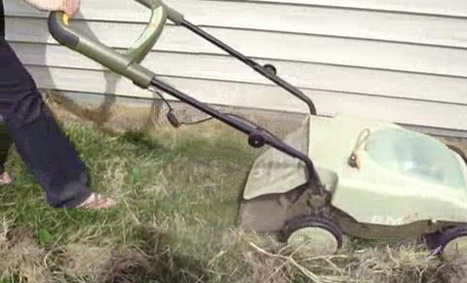 Organic Lawn Fertilizer Made from Moldy Hay (Video) : TreeHugger