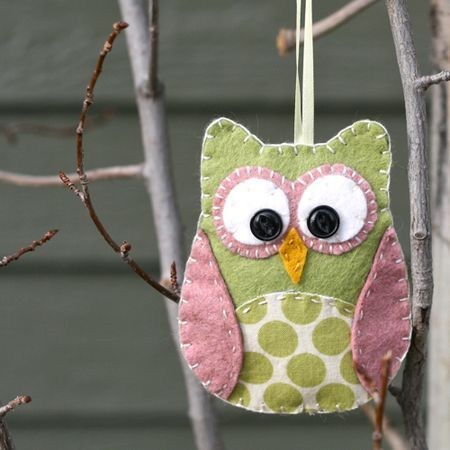 DIY - no sewing machine required - felt + fabric fabulous owl.