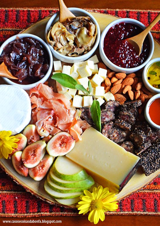 Tábua de queijos e frios