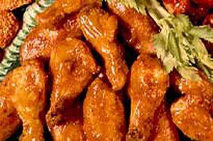 Enrobées de notre sauce aigre-douce, ces ailes de poulet cuites au four raviront vos papilles. Plus besoin d'aller au resto pour se régaler!