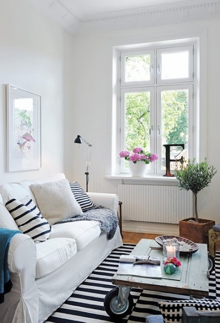 Efter stormen: IKEAlove, el sofá Ektorp / IKEAlove, Ektorp sofa