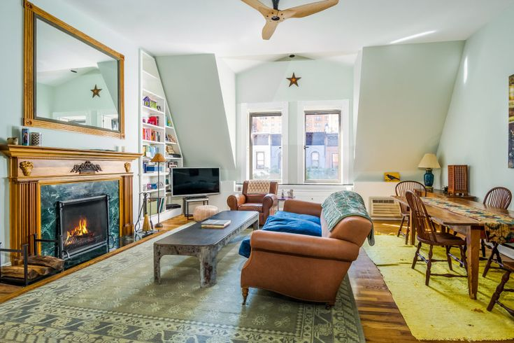 Great living/dining room.  Just happens to be Amy Schumer's UWS apartment.