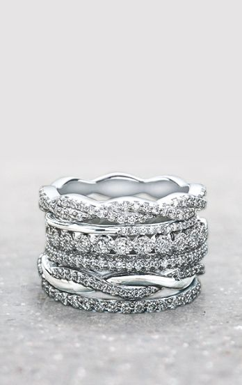 Perfect for the holidays. View our stunning collection of women's wedding bands from vintage-inspired styles to unique modern designs.