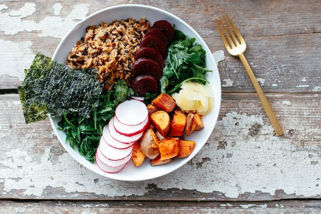 Want a lunch that's balanced in nutrients? The Brown Rice Miso Macro Bowl is where it's at!