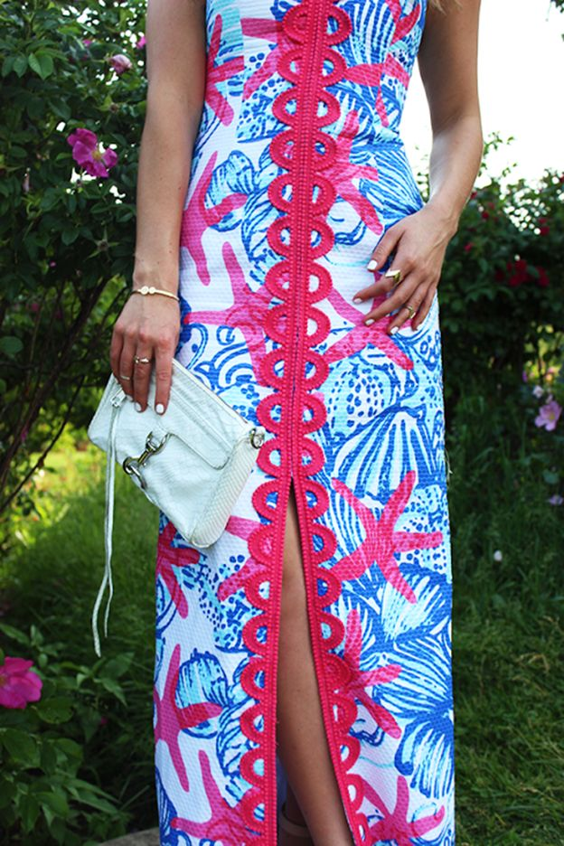 Lilly Pulitzer Angela Strapless Sweetheart Maxi in She She Shells, worn by @Marissa Hereso // Style Cusp