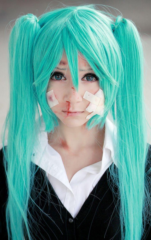 Miku Hatsune- Rolling Girl cosplay.