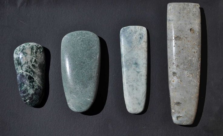 Resultado de imagen de hacha de piedra azteca