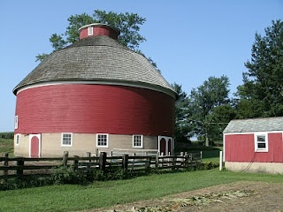 Round barn in Marshall County, Indiana | My Country Tis of ...